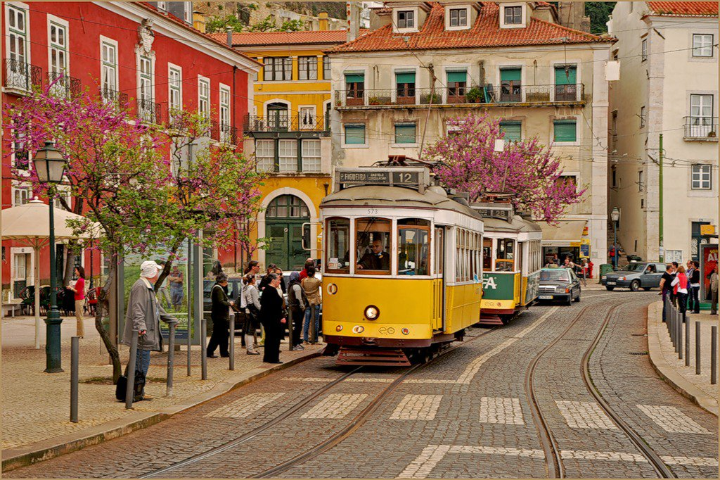 Картинки по запросу португалия Лиссабон